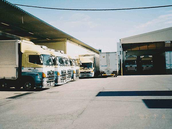 当時の芳賀工業団地営業所倉庫