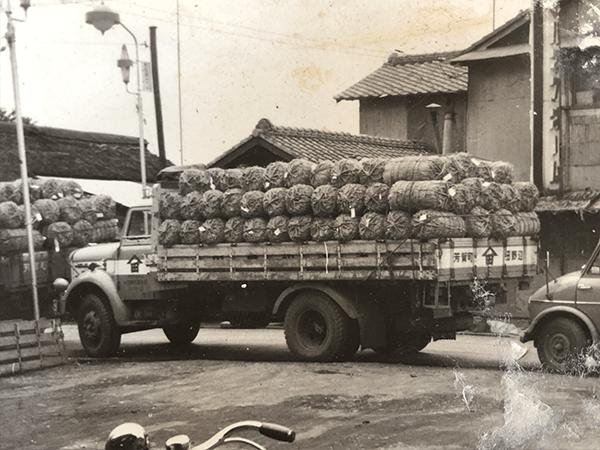 当時は木炭車の時代
